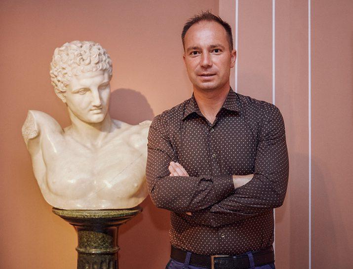 Ringer István, a sátoraljaújhelyi Kazinczy Ferenc Múzeum vezetője kapta az idei MúzeumCafé Díjat